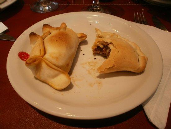 Hotel Carlos V: Empanadas de carne en  el resto del hotel.