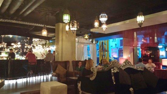 Hotel BLOOM!: Hotel's restaurant/bar