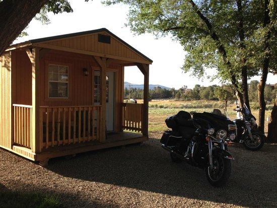 Mesa Verde RV Resort: Sweet little cabin!