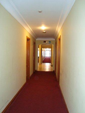 Cristoforo Colombo Hotel: Проход к номеру.
