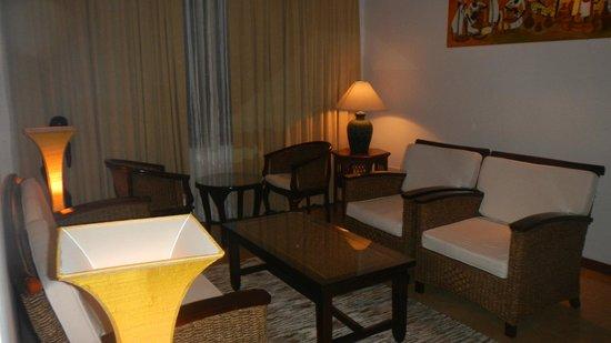 Amaara Sky Hotel Kandy : Suite-salón