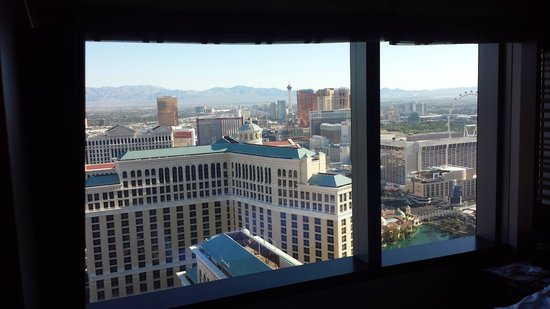Vdara Hotel & Spa: Bedroom Room View