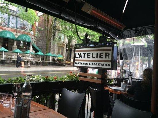 Hôtel Le Concorde Québec : restaurant on same block