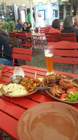 Haxenhaus zum Rheingarten: Lunch!