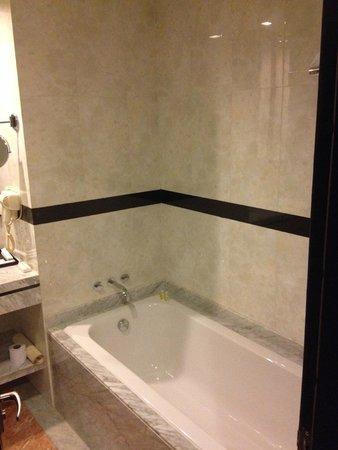 River Palace Hotel : bath room
