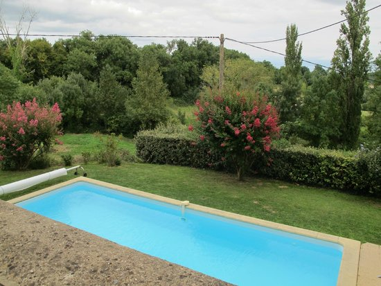Domaine les Jourdis : Pool and View