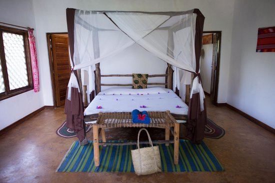 Kichanga Lodge - Bed
