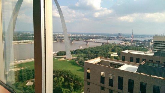 City Place Downtown St Louis 29th Floor Concierge Lounge View