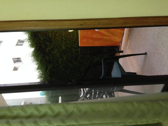 Platomare Hotel Apartments: Patio