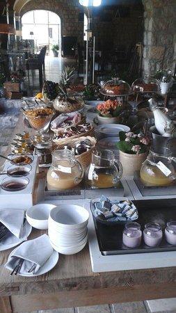 Aquapetra Resort & Spa: Buffet della colazione