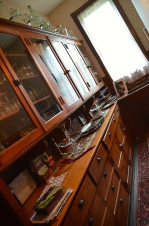 Vrooman Mansion: butler's pantry