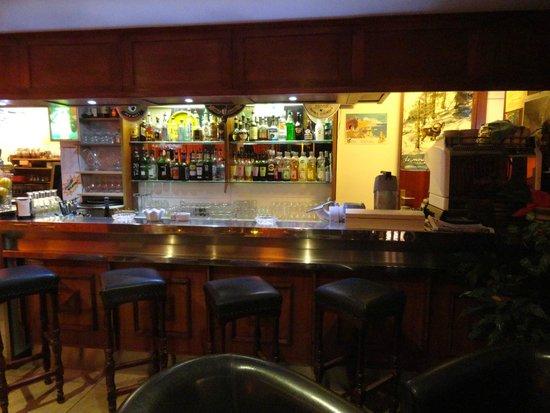 Hotel Le Porto: le bar de l'hôtel