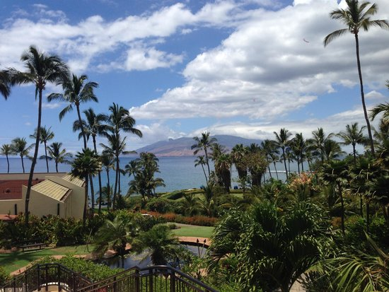 Wailea Beach Marriott Resort & Spa: View from entrance to hotel