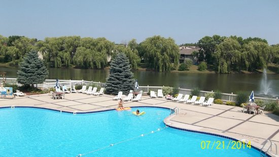 Olympia Resort: Hotel, Spa & Conference Center: Pool and Lake