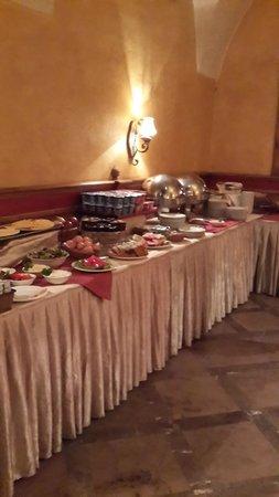 Rezydent Hotel: breakfast area