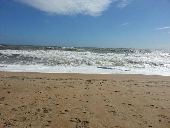 Shutters on the Banks: Beach Scene