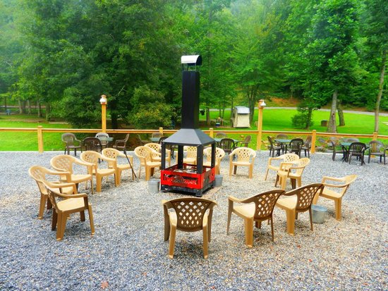 Iron Horse Motorcycle Lodge : Wonderful fire circle in the back
