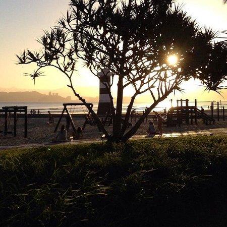 Beach Edge Gardens : Canal 6
