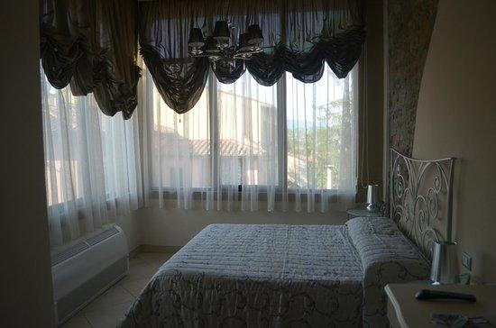 Villino il Leone: notre chambre avec petite vue sur florence