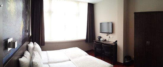 Hotel Van Gogh : Room 203