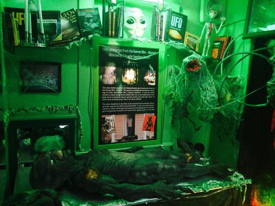 Wolf's Museum of Mystery: Alien Mortuary now open to the public