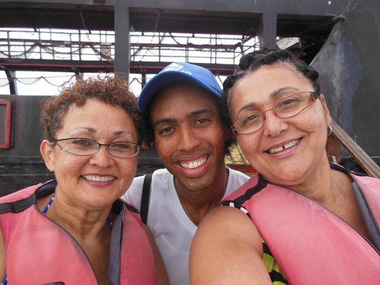 Ocean Adventures Stingray Bay Caribbean Festival : Another selfie with dancer Tiago