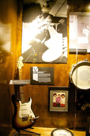 Musicians Hall of Fame and Museum: jimi hendrix's guitar