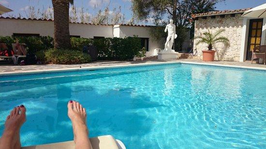 La Finca Ibiza : Relaxing at the pool