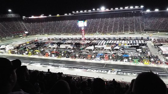 Bristol Motor Speedway: Pit area and overall view of the track