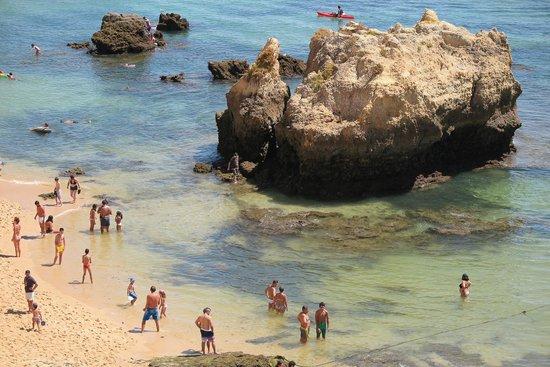 Praia Dona Ana: low tide