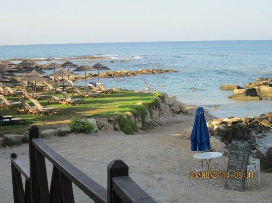 Atlantica Golden Beach Hotel: down by the beach
