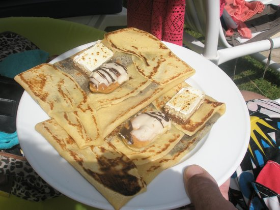 SENTIDO Phenicia: yummy chocolate pancakes