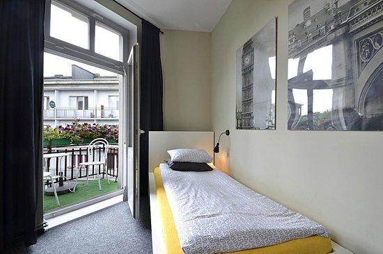 Dobranoc Hostel & Apartments: Pokój z balkonem