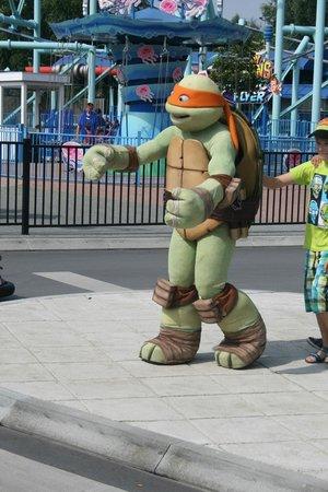 Movie Park Germany: Les tortues Ninja sont là et amusent les enfants!