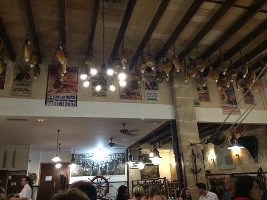 Bodega d'es Port : interno del locale