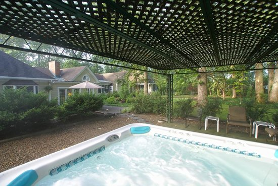 Foxfield Inn: Hot Tub