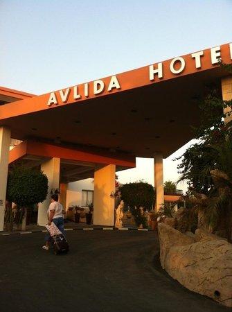 Avlida Hotel: Фасад:)