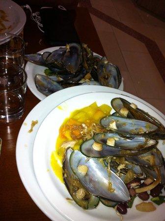 Avlida Hotel: Ужин