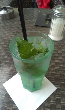 Cafe Am Ballplatz: Lemonade with mint