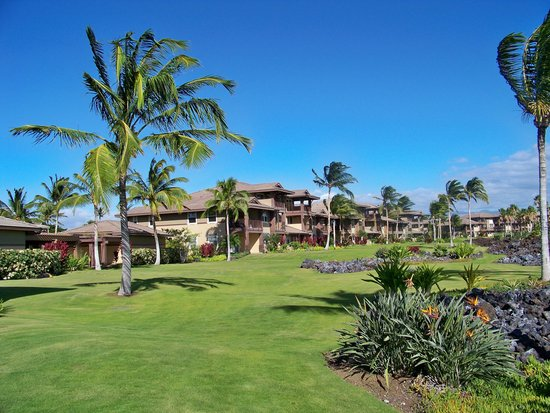 Halii Kai Resort at Waikoloa Beach: condo complex and grounds