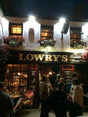 Lowry's Bar: esterno del pub