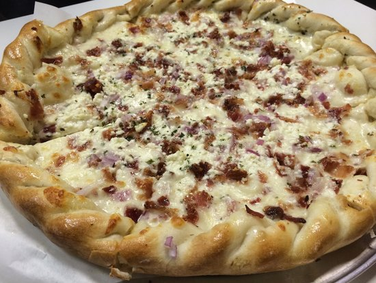 """Pizza on 87: World Famous """"White Out"""" Pizza"""
