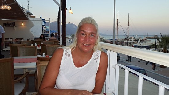Taratsa Kitchen Bar : My Gorgeous Wife