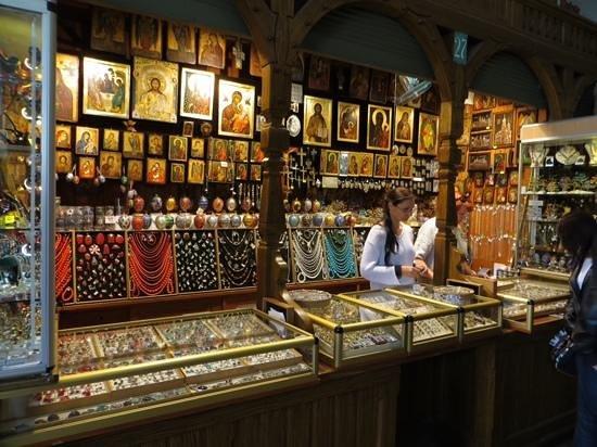 Halle aux draps (Sukiennice) : Jewlery vendor