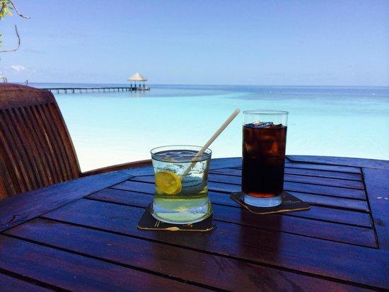 Velidhu Island Resort : Apéro plage