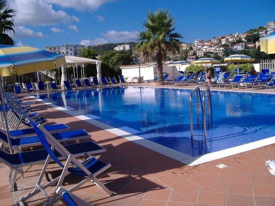 Hotel Mare: piscina pulitissima e ben curata