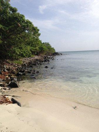 Secret Beach: Good snorkeling along the left side of the beach