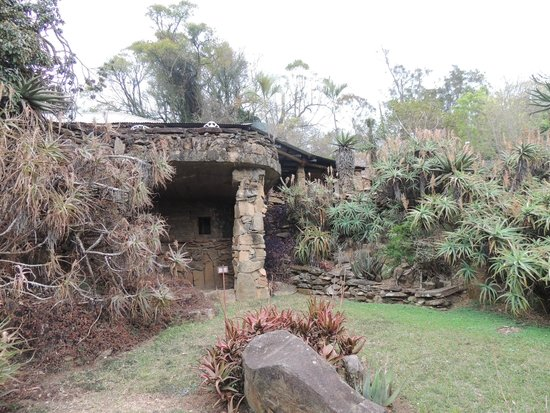 Reillys Rock Hilltop Lodge: Esterno
