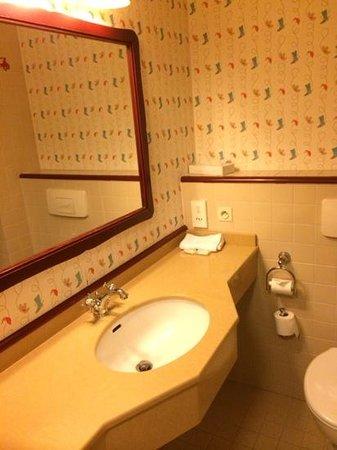 Disney's Hotel Cheyenne : salle de bain