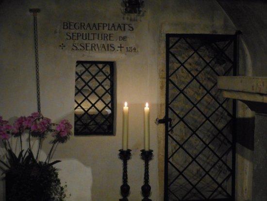 Basilica of St. Servatius: The tumb of St. Servaas